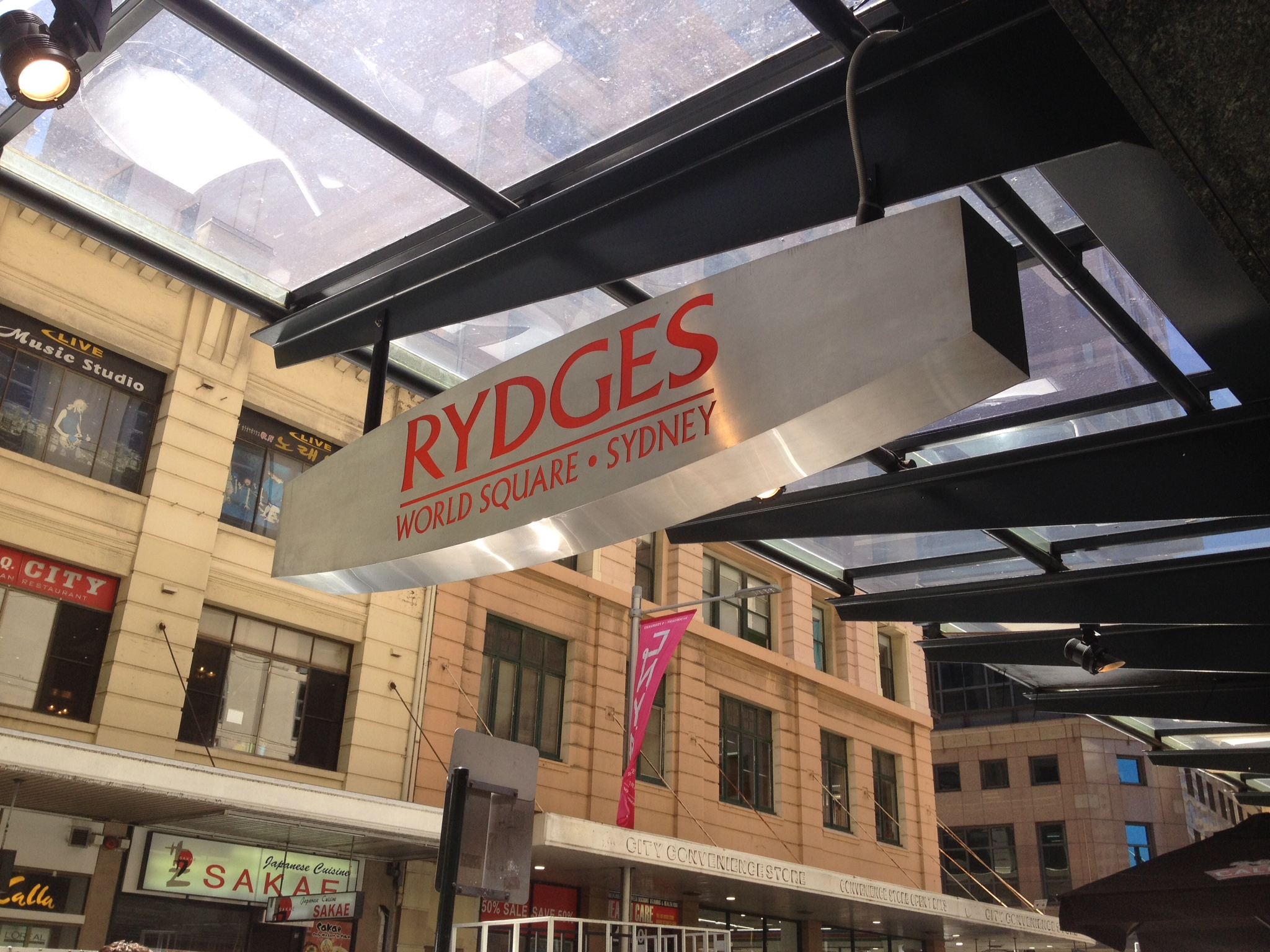 rydges world square sydney the trusted traveller. Black Bedroom Furniture Sets. Home Design Ideas