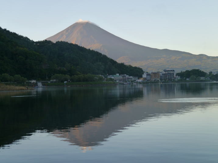 Mt Fuji at sunrise - the best time to catch it